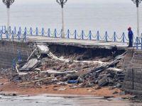 台风袭击后的青岛栈桥